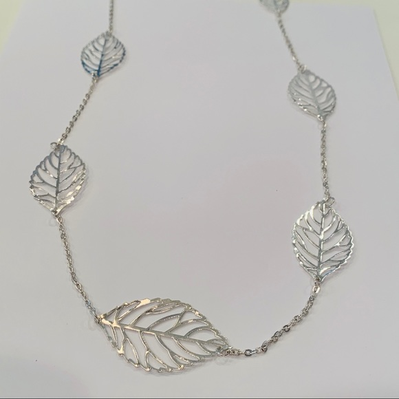 💐5/25 MixIt long silver leaf station necklace
